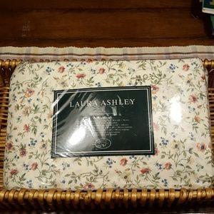 New Vintage Laura Ashley Twin Sheet Set